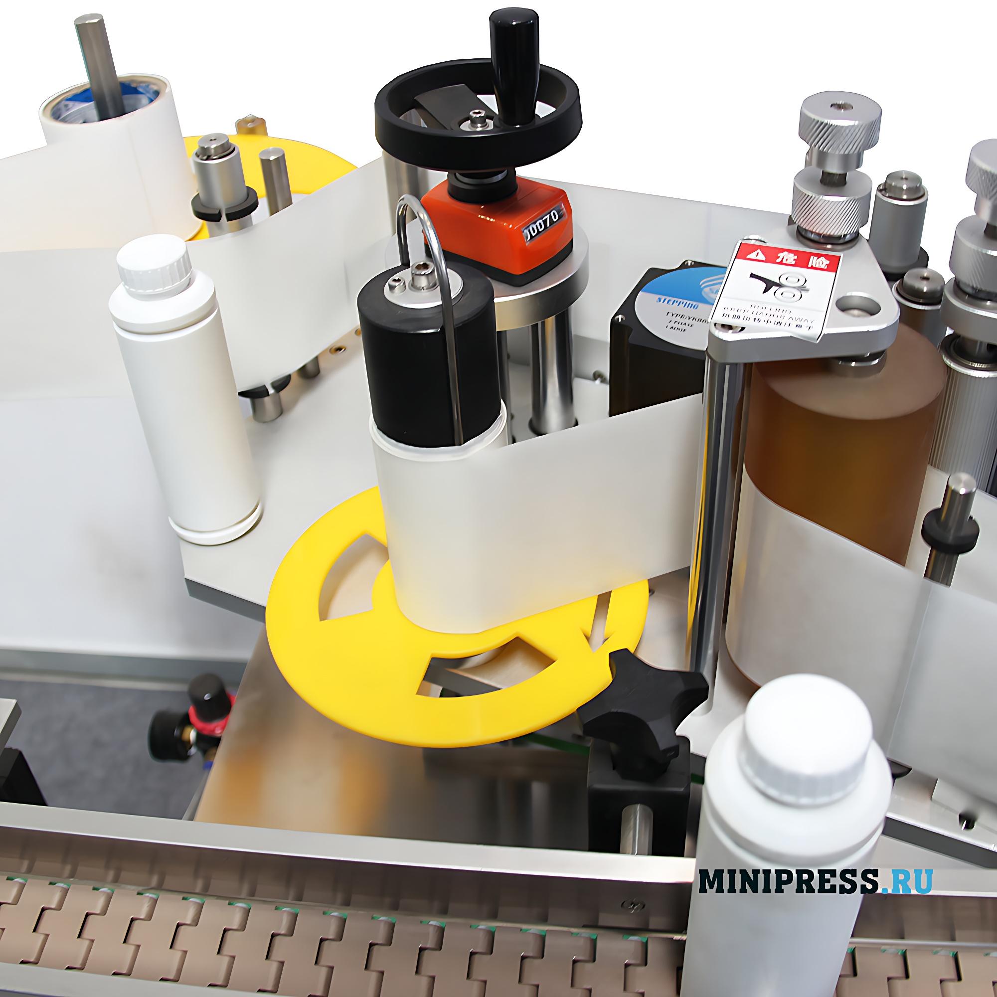Этикетировочная машина для одностороннего или двухстороннего этикетирования стеклянных и пластиковых бутылок