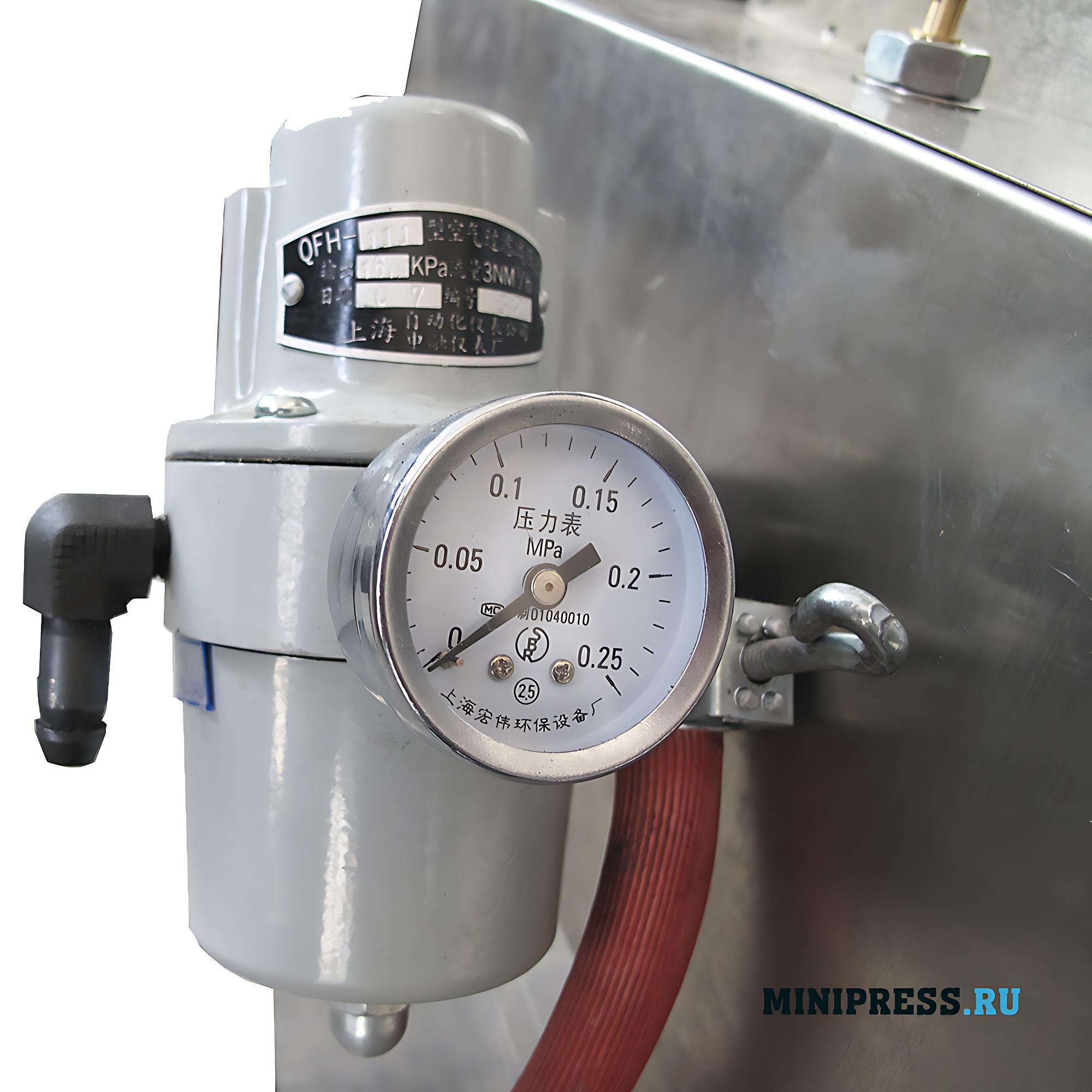 Автоматическая машина для розлива жидкостей и запайки стеклянных ампул