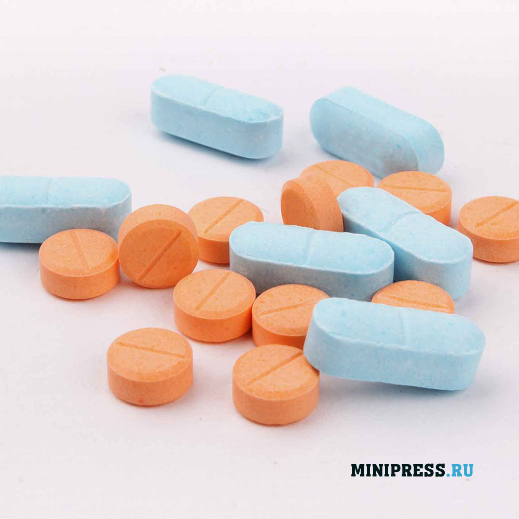 Прессование таблетки из порошка